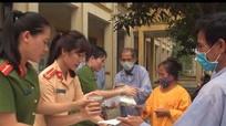 Nghi Lộc: 200 suất cơm đến với bệnh nhân nghèo