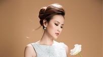 Hoa khôi Du lịch Khánh Ngân bay bổng với váy phong cách tiểu thư