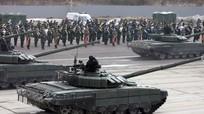 Ra mắt xe tăng T-72 mới trước duyệt binh Ngày Chiến thắng
