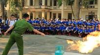 Tập huấn phòng, chữa cháy cho 1000 học sinh, giáo viên tại Anh Sơn