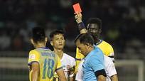 Bóng đá Việt Nam: Chuyện thật như đùa!