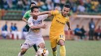 'Ronaldo' Việt Nam úp mở chuyện tương lai với SLNA