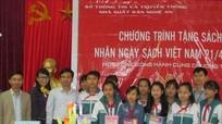 Tặng 2.000 cuốn sách cho học sinh Con Cuông