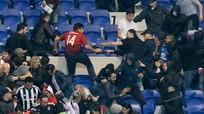 Lyon - Besiktas đá muộn vì CĐV đánh nhau
