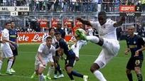 VÒNG 32 SERIE A: Milan buộc Inter chia điểm ở trận hòa siêu kịch tính