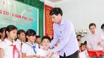 MASAN trao 120 triệu đồng học bổng STF - Phạm Phú Thứ cho học sinh Quỳ Hợp