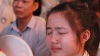 Nữ sinh lớp 9 viết thư gửi mẹ đã khuất khiến nhiều người rơi nước mắt