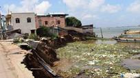 14 căn nhà bề thế chìm xuống sông trong chớp mắt