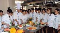 Gần 500 sinh viên Trường Du lịch - Thương mại Nghệ An được doanh nghiệp tiếp nhận trước mùa du lịch