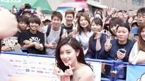 Á hậu Huyền My được fan Nhật nồng nhiệt chào đón