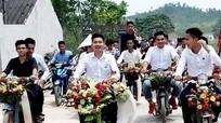 Màn rước dâu bằng xe Cub ở Nghệ An