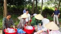 Yên Thành: Trên 5.000 màn được tẩm hóa chất phòng tránh muỗi đốt