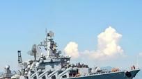 Tàu tuần dương tên lửa của Nga cập cảng Cam Ranh