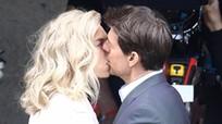 Tom Cruise hôn bạn gái tin đồn ở trường quay 'Nhiệm vụ bất khả thi 6'