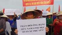 Quỳnh Lưu: Hơn 3.000 người dân vùng bãi ngang phản đối linh mục Đặng Hữu Nam
