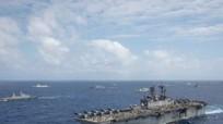Hải quân Mỹ bắn trăm viên đạn không hạ nổi tàu nhỏ