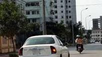 Cảnh sát giao thông hướng dẫn xi nhan đúng cách