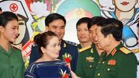Đại tướng Ngô Xuân Lịch trao Bằng khen của Bộ Quốc phòng cho 127 điển hình tiên tiến toàn quân