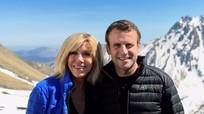 Cựu Thủ tướng Italy ví vợ chồng Tổng thống Pháp như mẹ và con trai