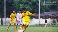 Học trò Ngô Quang Trường thất thủ 2-4 trước cầu thủ của Đặng Phương Nam