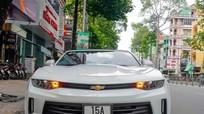 Xe thể thao Chevrolet Camaro 2017 đầu tiên trên đường Sài Gòn