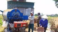 Dịch vụ cơ giới sản xuất nông nghiệp 'đắt hàng'