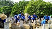 Tuổi trẻ Anh Sơn chăm sóc Nghĩa trang liệt sỹ Việt - Lào