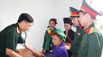 Bộ CHQS tỉnh khám, cấp thuốc miễn phí cho người dân xã vùng biên