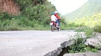 'Hố tử thần' trên tuyến đường Mường Xén – Tây Sơn