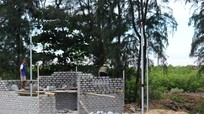 Xây dựng nhà trái phép trên đất rừng ven biển ở Quỳnh Thuận