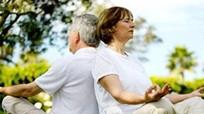 Mẹo giúp người cao tuổi chống chọi với nóng bức