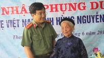 Công an tỉnh nhận phụng dưỡng Mẹ Việt Nam anh hùng
