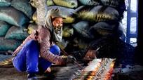 Về nơi một hộ dân nướng 3 tạ cá mỗi ngày