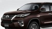 Toyota Fortuner làm mới để cạnh tranh Mitsubishi Pajero Sport