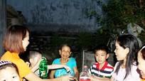 Tổ chức 'Bữa cơm gia đình' ấm áp cho nữ cựu TNXP neo đơn