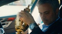 Mourinho 'trộm' Cup Wimbledon của Andy Murray