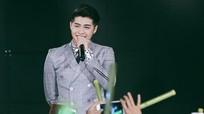 500 khán giả ở Nhật cuồng nhiệt với Noo Phước Thịnh
