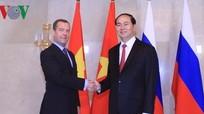 Chủ tịch nước Trần Đại Quang hội kiến Thủ tướng Nga Medvedev