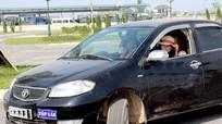 Nghệ An: Xử phạt 35 trường hợp người học lái ô tô không đeo thẻ học viên