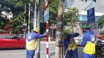 Thành phố Vinh mất gần một tháng để thay thế biển báo đã hết hạn nửa năm