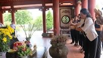 Hội Liên Hiệp phụ nữ Việt Nam dâng hương tại Khu di tích lịch sử Truông Bồn
