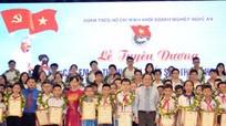 Đoàn Khối Doanh nghiệp Nghệ An: Tuyên dương 120 học sinh có thành tích xuất sắc