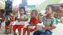 """Hơn 300.000 học sinh Nghệ An tham gia Chương trình """"Sữa học đường"""""""