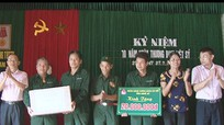 Ngân hàng Chính sách xã hội tỉnh: Trao quà hơn 100 triệu đồng cho gia đình chính sách