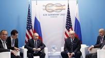 Ngoại trưởng Mỹ 'choáng' vì cách Trump hỏi Putin