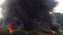 Khói lửa bao trùm chợ cửa khẩu ở Lạng Sơn
