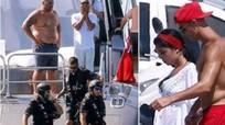 Cảnh sát biển chặn du thuyền của Ronaldo