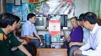 Phó Bí thư Tỉnh ủy Nguyễn Văn Thông thăm hỏi, tặng quà gia đình chính sách