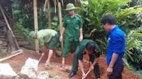 Đồn Biên phòng Nậm Càn giúp dân bản giữ vệ sinh môi trường