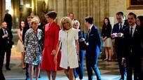 Người Paris mê đắm vẻ thanh lịch của Melania Trump
